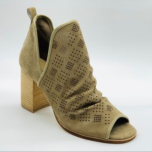 New Chinese Laundry Split Shaft Suede Bootie